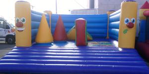 Castillo con obstaculos 4x7